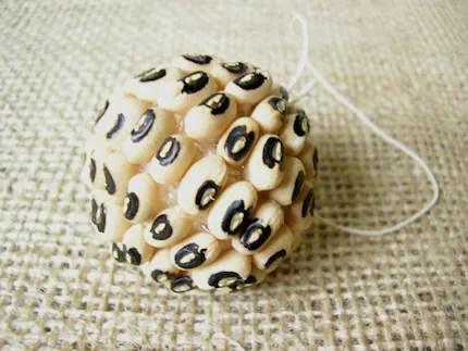 Decorative Black Eye Bean Ball 4cms (1.5inches) - INTERNATIONAL SHIPPING
