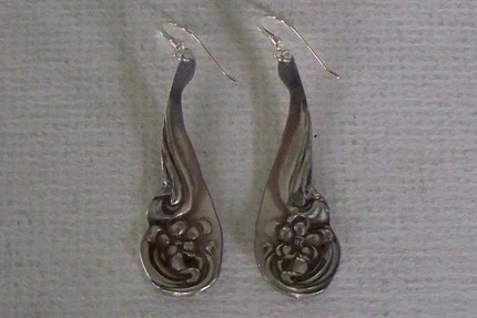 Spoon Earrings Arbutus Raindrop