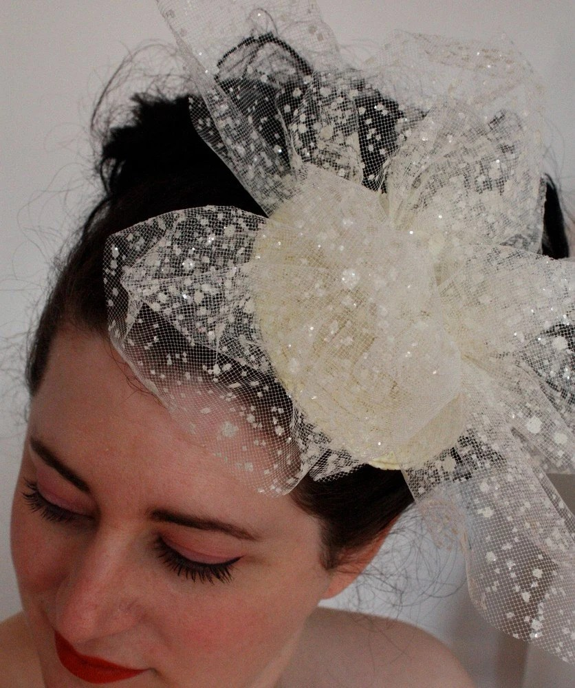 Bridal fascinator with ivory tulle and glitter