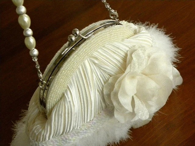ELLEN - Luxury Bridal Purse Ivory Swan Feather Handbag