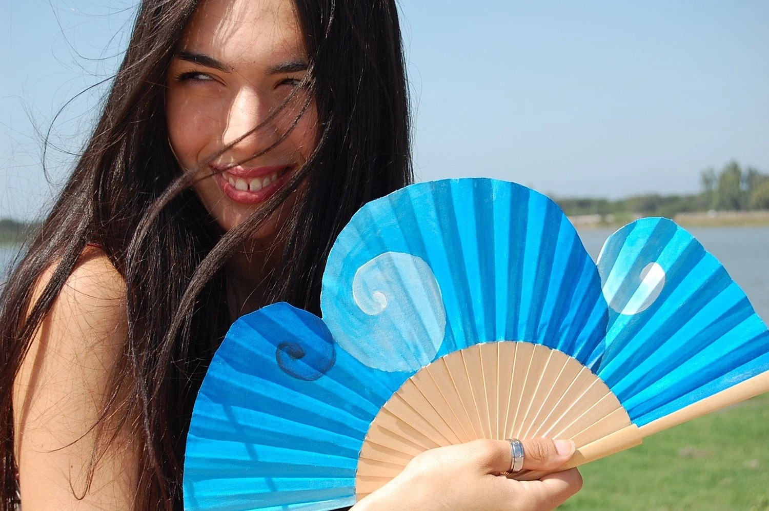 Hand-painted fan. Blue Passion