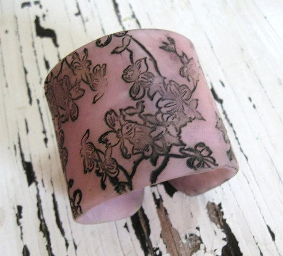 Translucent lavender cuff bracelet  Asian style dogwoood, handmade  jewelry by theshagbag on Etsy