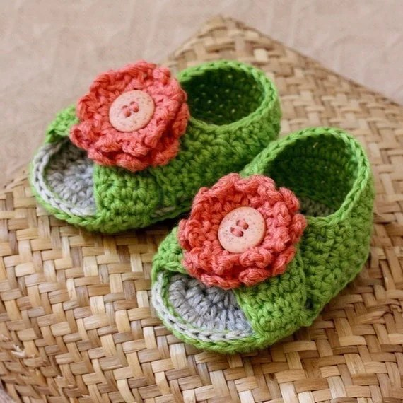 Crochet PATTERN (pdf file) - Cross Strap Baby Sandals