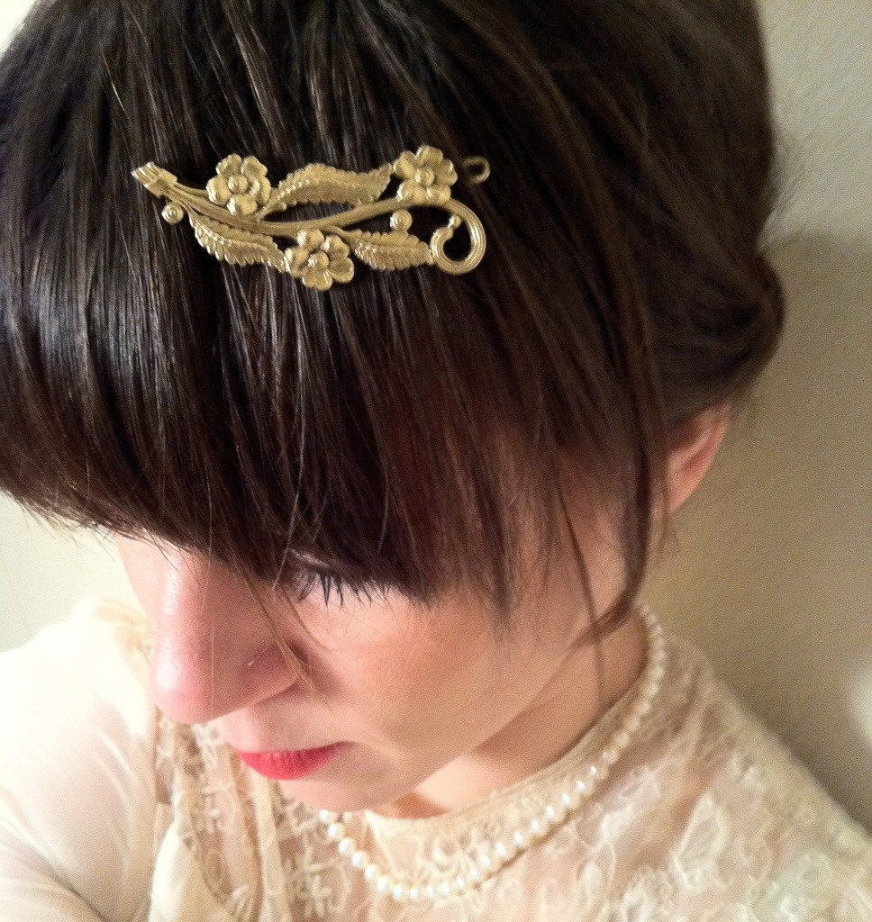 Vintage Gold Tone Flowers and Leaves Hair Barrette