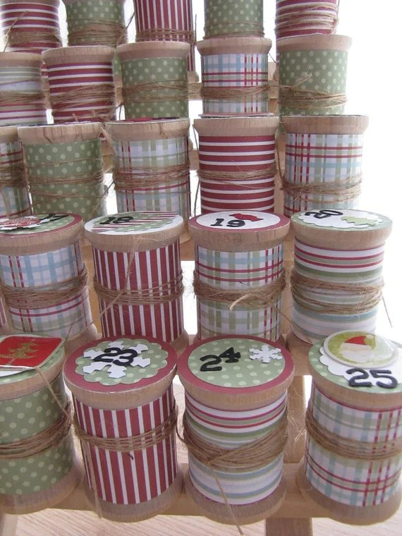 Advent Calendar - Wooden Spool Thread Holder  - Red and Green Holiday Countdown