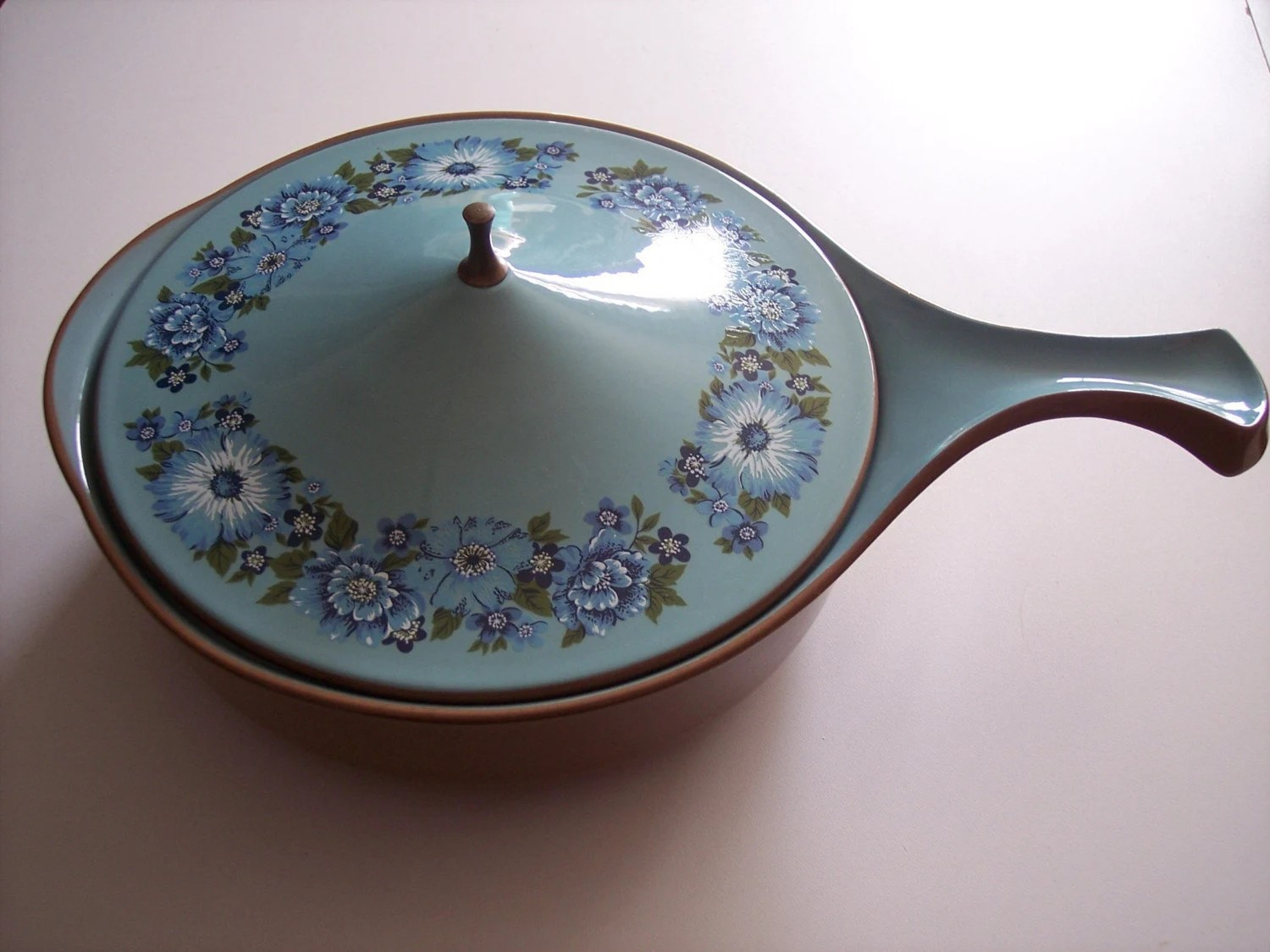 Azura 2.5 Quart Casserole c1969 Taylor Smith and Taylor Genuine Ceramic Ironware