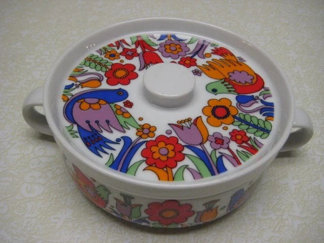 Vintage Royal Crown Paradise Ovenware Portugal Casserole