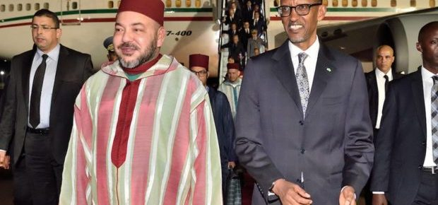 King Mohammed VI of Morocco (L) and President Paul Kagame of Rwanda (R) during a recent visit to Rwanda. (Asharq Al-Awsat)