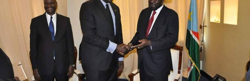 President Salva Kiir amazed by a former rebel, Lol Gatkuoth, who now works for him, laughing so loud(Photo: file)