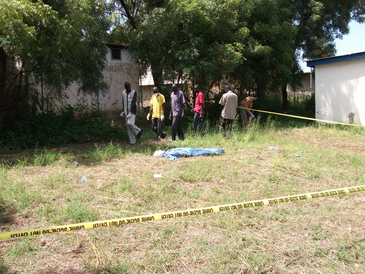 Course participants search the crime scene for physical evidence. CSI training Juba, South Sudan(Photo: file)