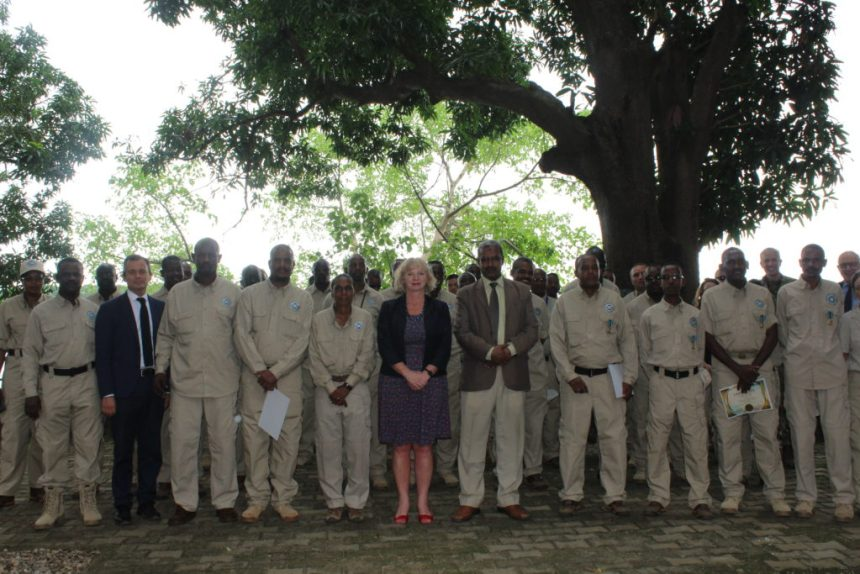 Alison Balckburne(center), The UK ambassador to South Sudan, posts for a picture with the outgoing ceasefire monitors in South Sudan's capital, Juba(Photo: supplied)