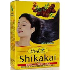 la poudre shikakai stimule la pousse des cheveux