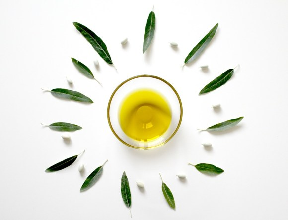 l'huile d'olive sur les cheveux crépus