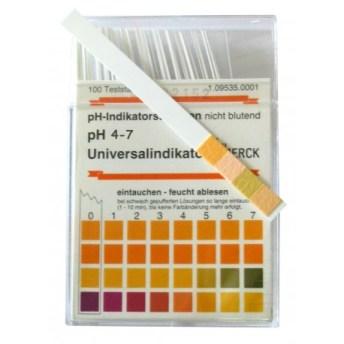 la bandelette pour déterminer le pH de ses produits capillaires