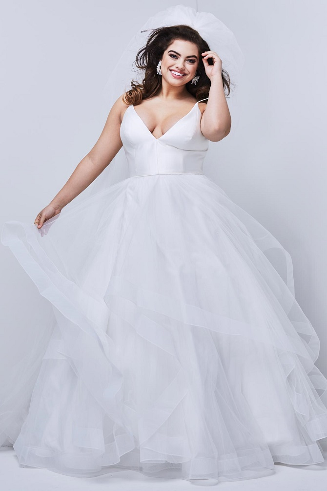 Stunning Plus-Size Wedding Gowns at New York Bride & Groom Raleigh
