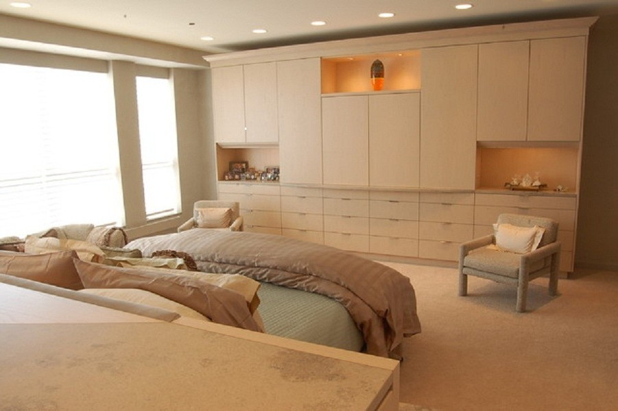 NYC Custom Built Bedroom Walk-In & Reach-In Closets