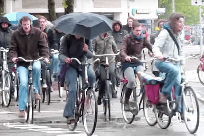 Op-Ed: Want Safe, Bikeable Streets? Get Rid of Free Parking, as Amsterdam Did