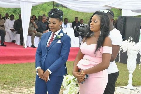 trending nigerian woman plays the role of best man for her sister