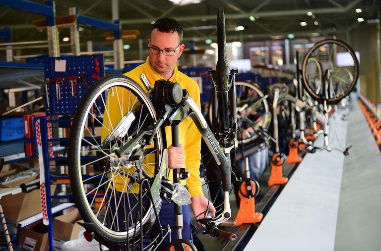 電気自動車が無理なら電気自転車?