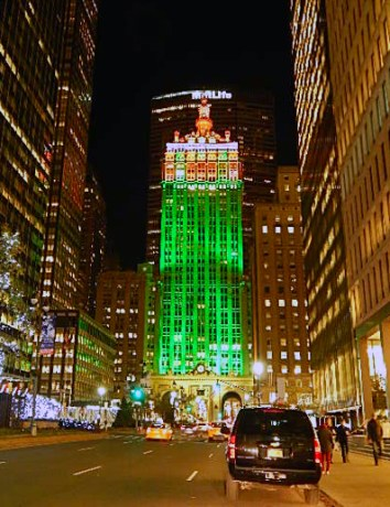 Helmsley Building Christmas Lights Show