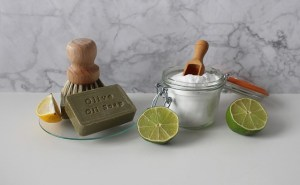 Moving to a Zero waste home products: brush, soap, powder, lime