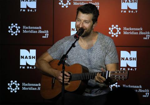 Brett Eldredge at Nash FM 94.7 HMH Stage 17