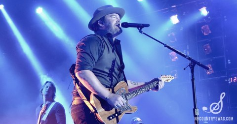 10 Lee Brice Lyrics to Use As Instagram Captions This Summer