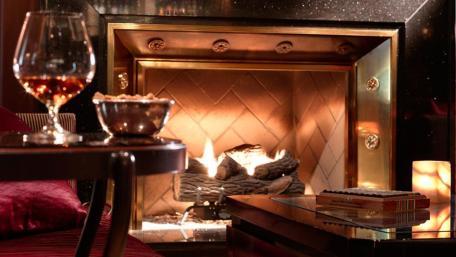 the-bar-interior-fireplace-1
