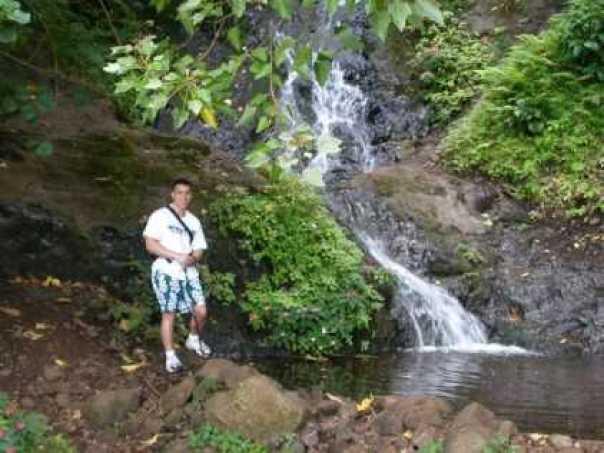 nyctalking hawaii waterfall