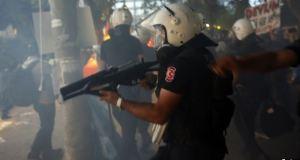 Sivil Protesto Artık Polisi Tahrik mi Sayılacak?