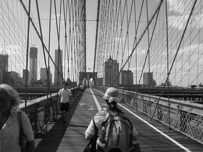 brooklyn-bridge,people nyc