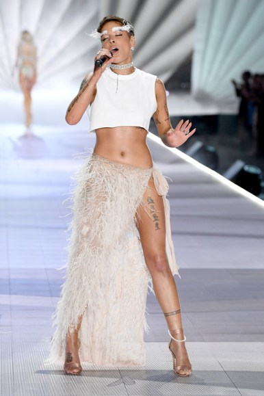 NEW YORK, NY - NOVEMBER 08:  Halsey performs on the runway during the 2018 Victoria's Secret Fashion Show at Pier 94 on November 8, 2018 in New York City.  (Photo by Dimitrios Kambouris/Getty Images for Victoria's Secret)