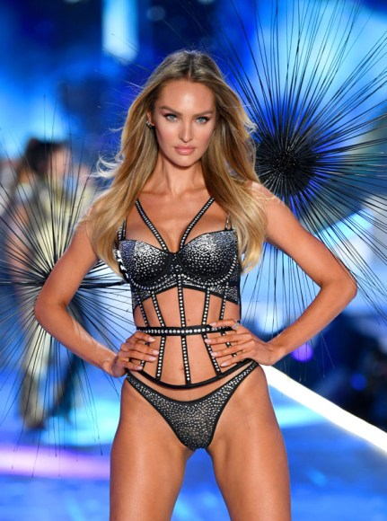 NEW YORK, NY - NOVEMBER 08:  Candice Swanepoel walks the runway during the 2018 Victoria's Secret Fashion Show at Pier 94 on November 8, 2018 in New York City.  (Photo by Dimitrios Kambouris/Getty Images for Victoria's Secret)