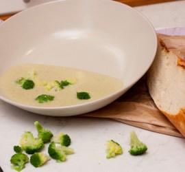 Broccolisoppa gjord från grunden