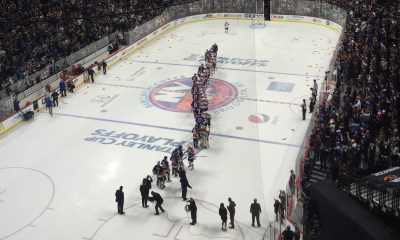 Islanders and Panthers shake hands in 2016