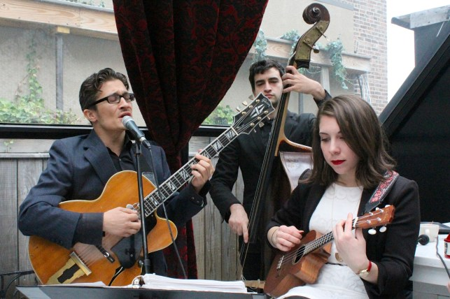A banda de jazz que faz a trilha sonora do Hotel Chantelle