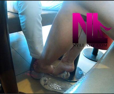 20180623_barefoot-footsie-in-cloth-lb-flats-at-mac