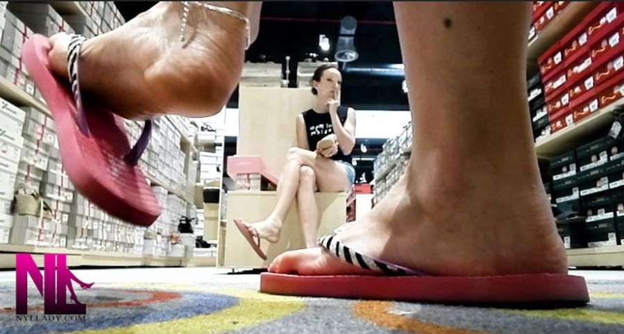 20180719_shoeplay-and-popping-in-crimson-and-black-flops