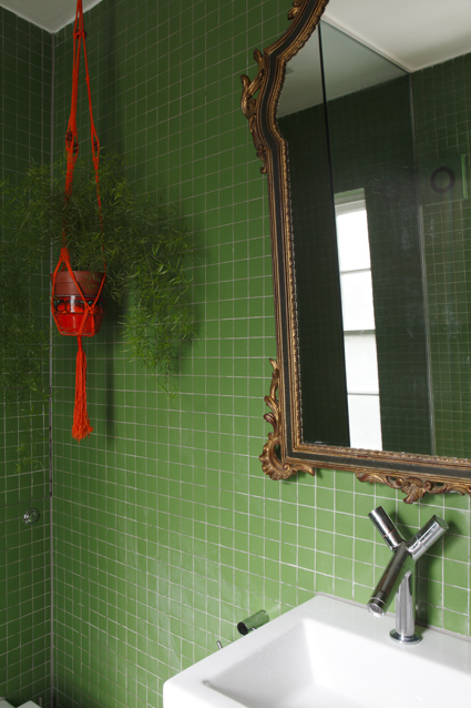 Once again, modern (Philippe Stark fixtures) with period (mirror).