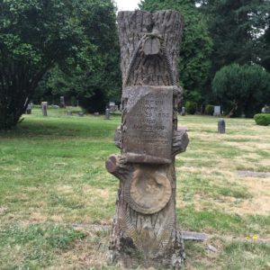 Woodcutters tombstone in the Lone Fir Cemetery