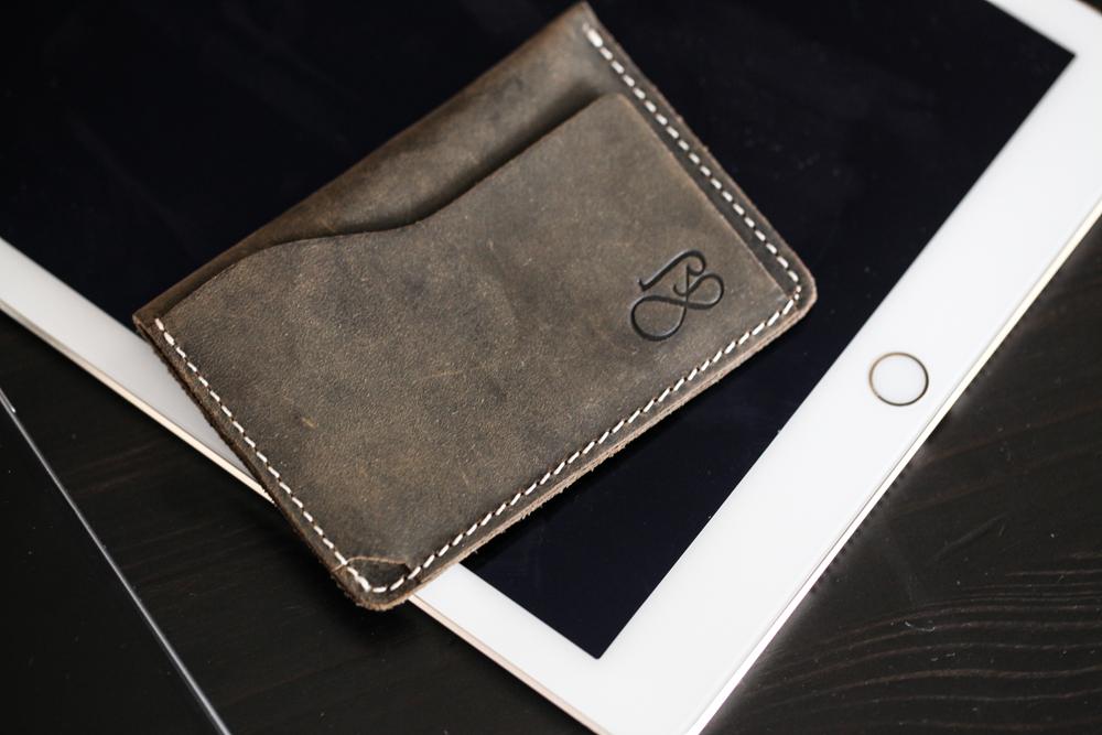 Baurdi leather wallet, product photos, lifestyle product images,