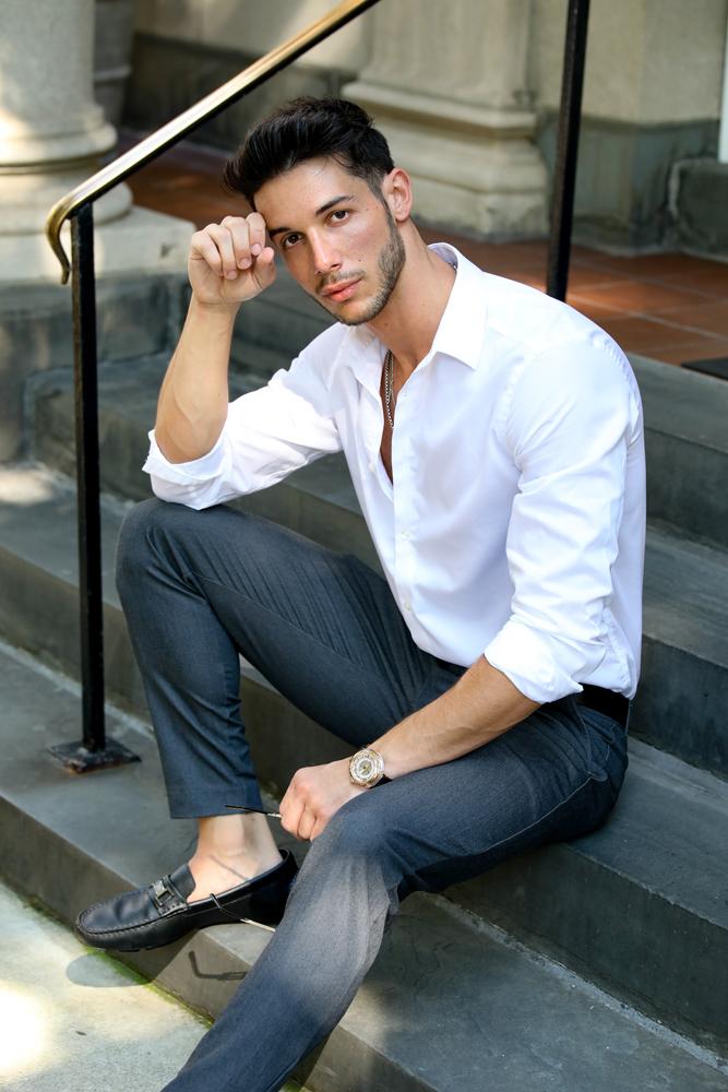 male model, manhattan model, model in manhattan, lifestyle photographer, lifestyle photos, nyc photographer, nyc fashion photographer,