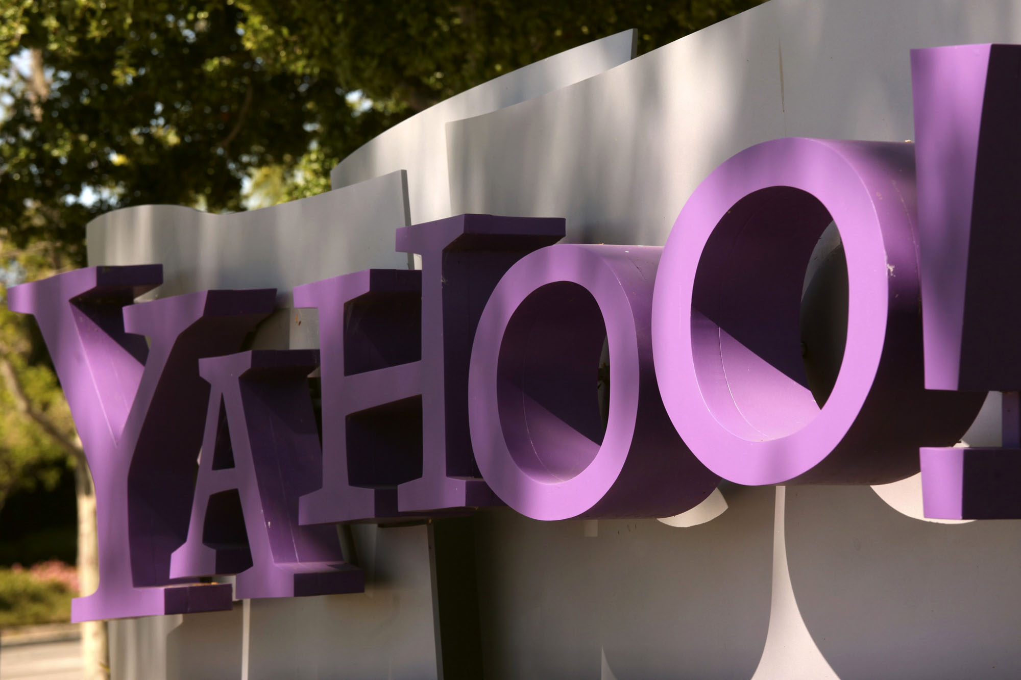 Think Yahoo Email Looks Like Gmail Now You Re Not Alone