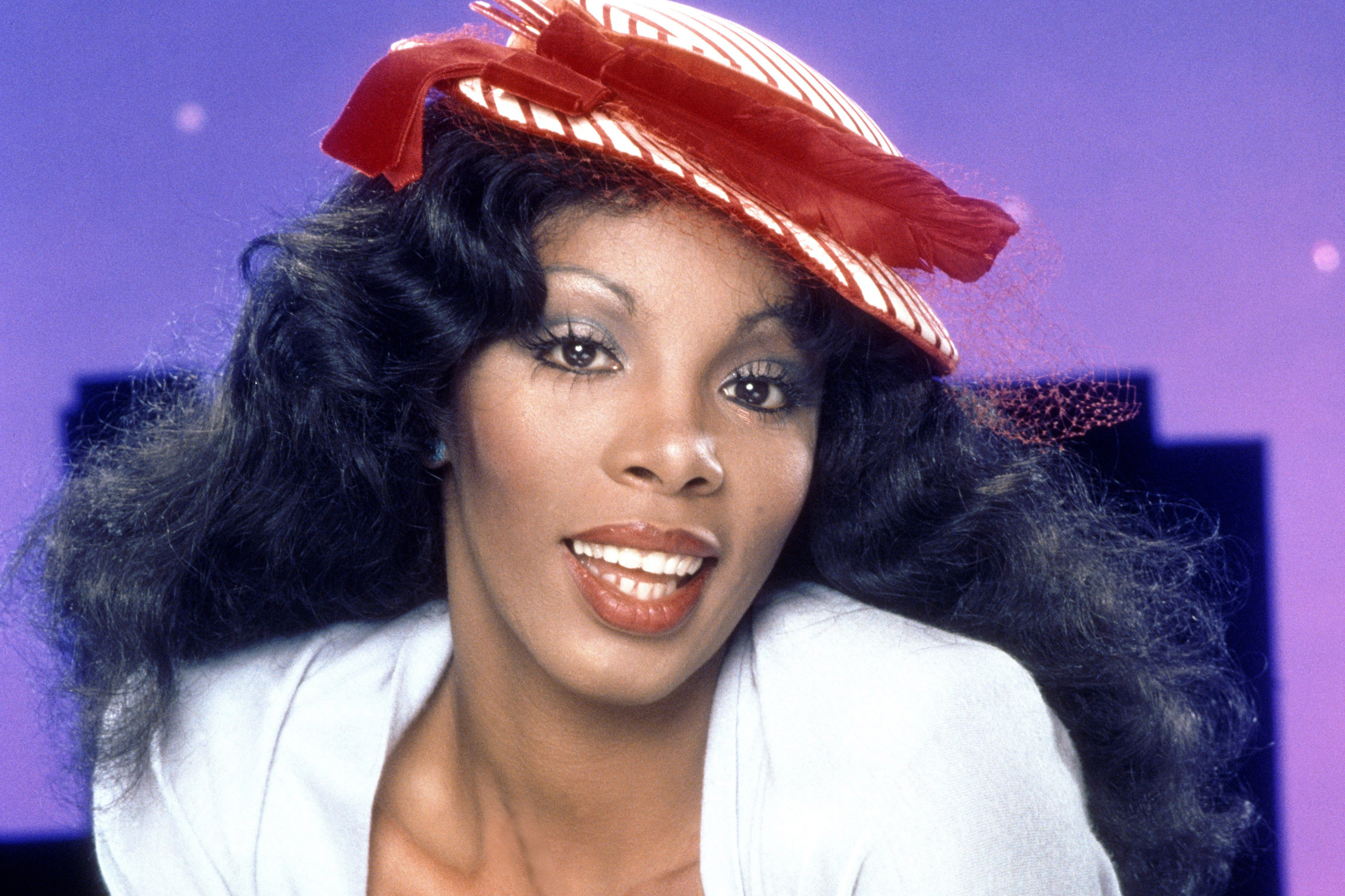 Barber forced to pay royalties over Donna Summer ringtone
