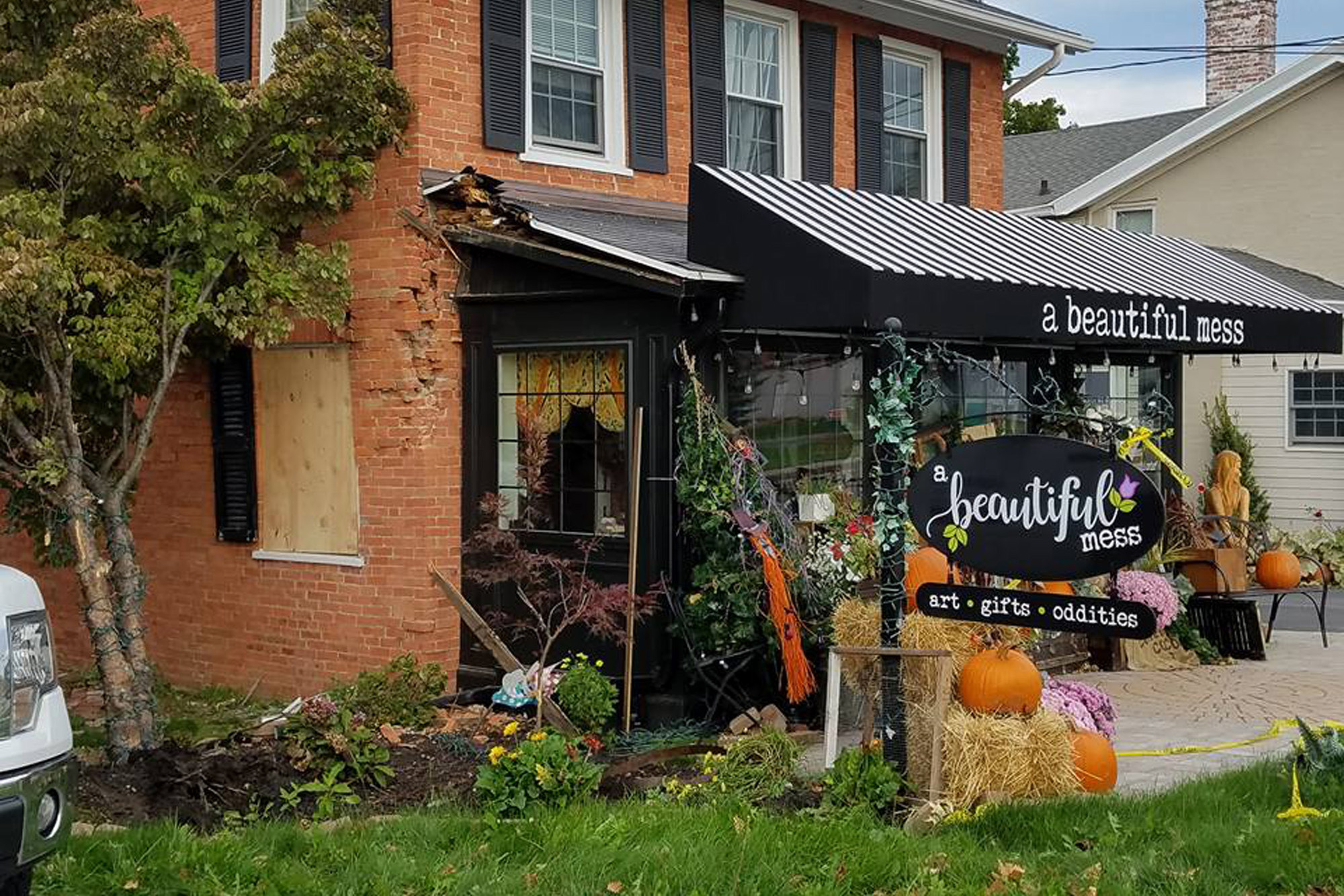Garbage truck crashes into store called A Beautiful Mess