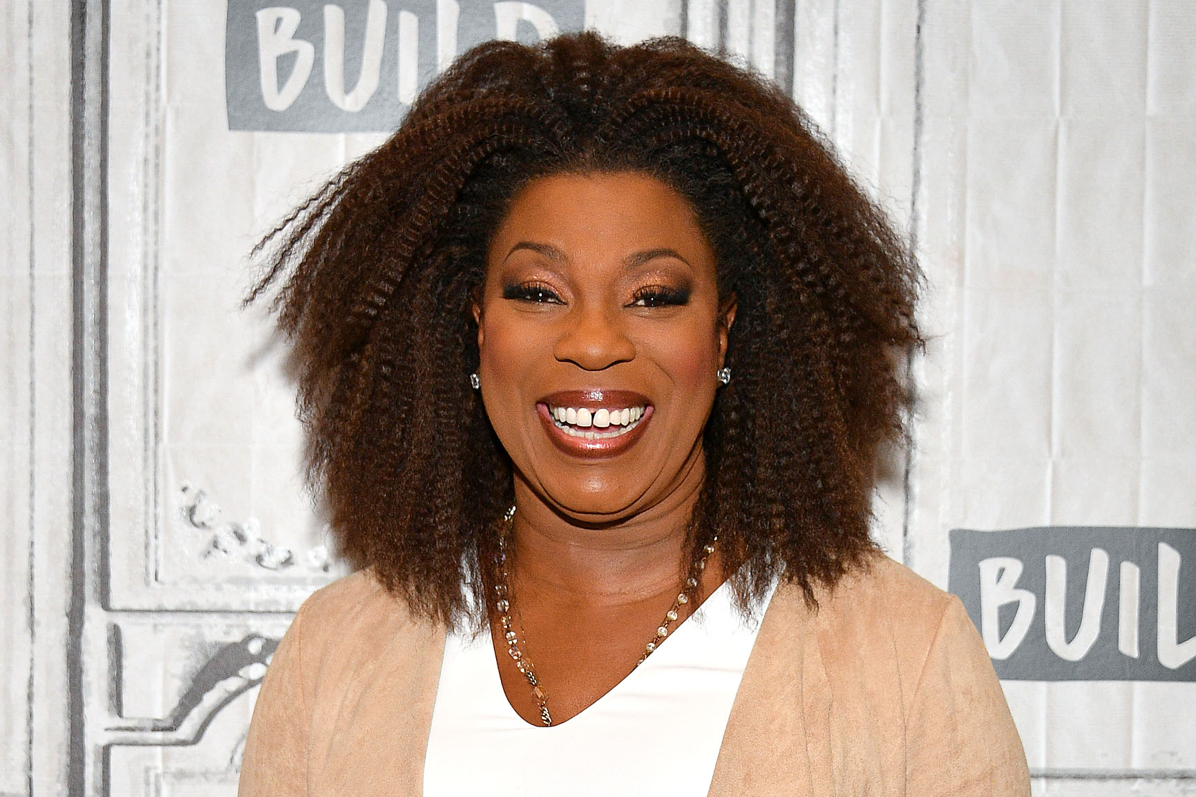 Village' star Lorraine Toussaint bonds with daughter over acupuncture