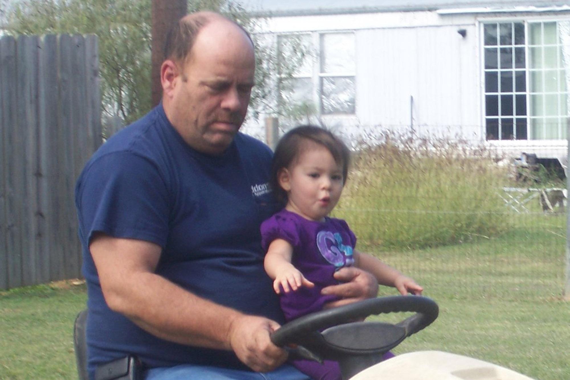 Leukemia-stricken Texas chief who led COVID-19 efforts dies