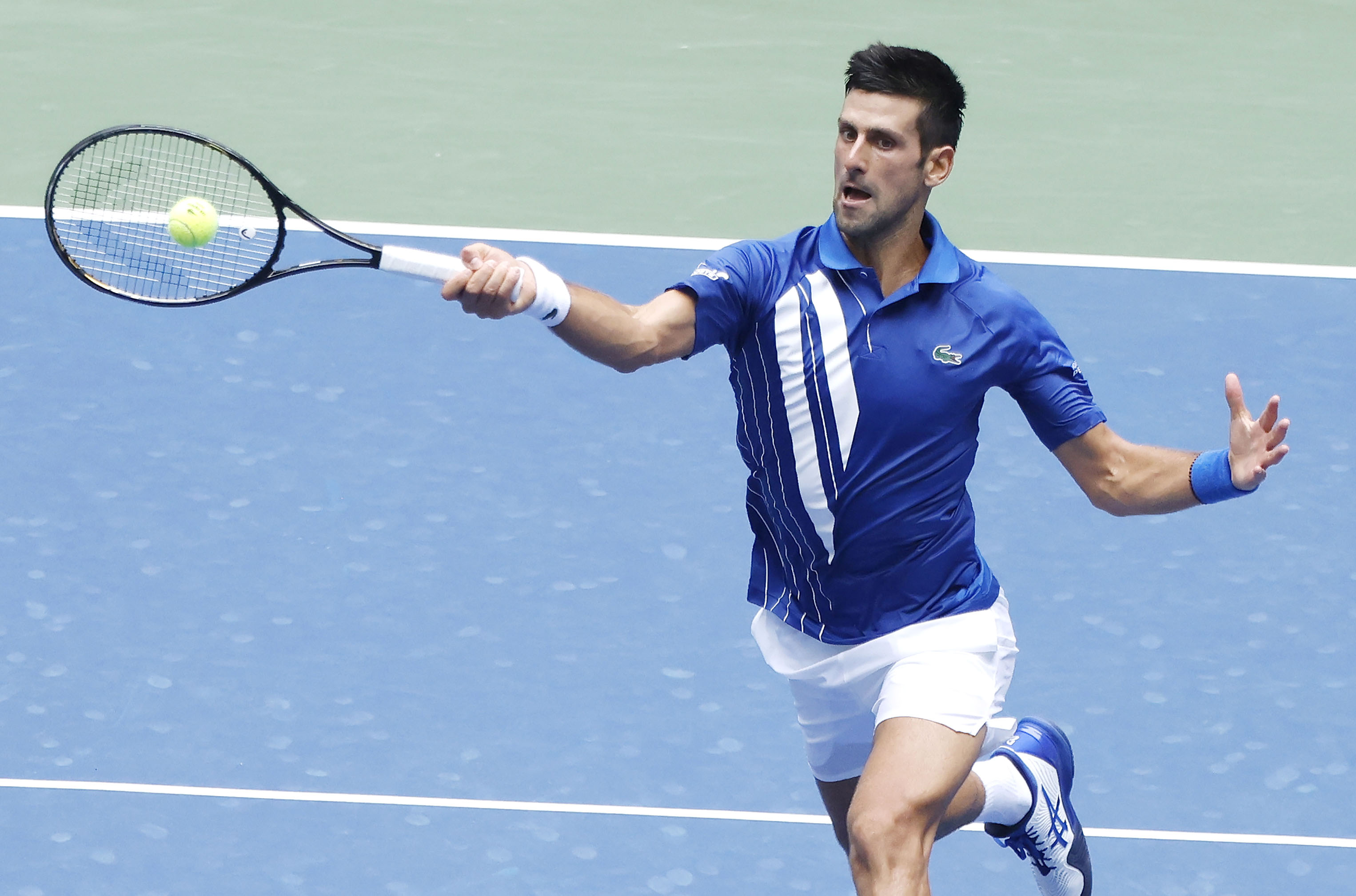 Novak Djokovic Right At Home In Us Open Cruises Into Third Round