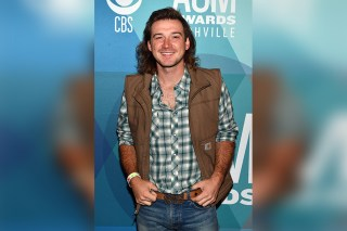 Morgan Wallen caught drinking in crowded bad ahead of SNL appearance