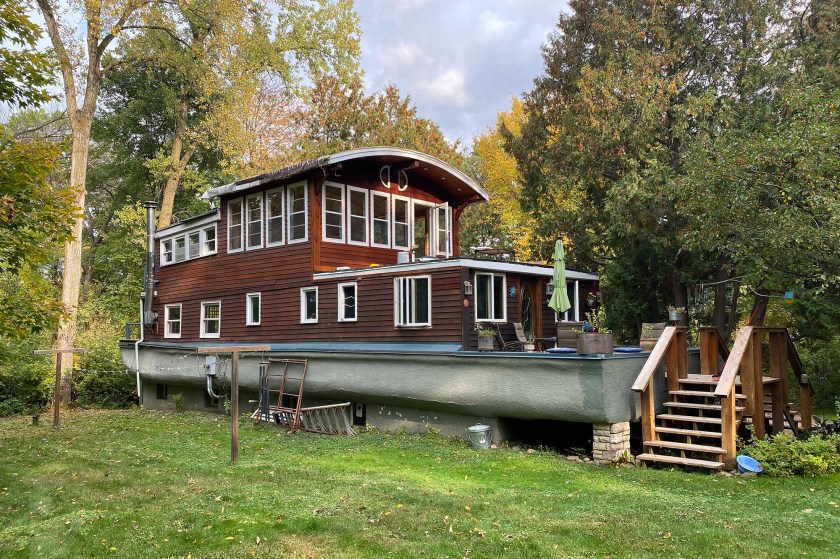 boat house 01
